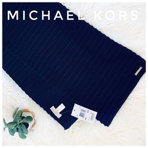 MICHAEL KORS NWT Black scarf